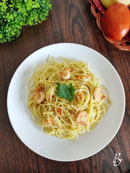 spaghetti aglio olio lezat sekali